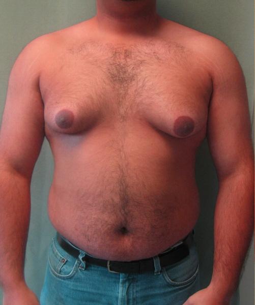 мужчина намял грудь